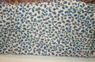Vera Bradley Retired  Delft Blue  pattern Miller Tote bag, excellent