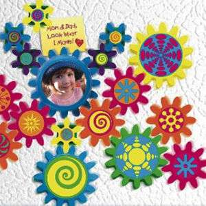 CYI FridgiGears Fridge Moving Magnet Gear Picture Frame