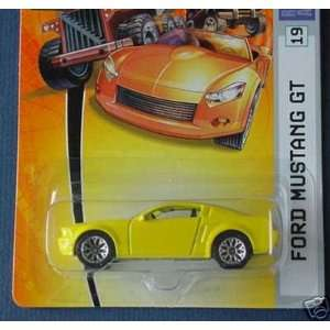 2006 164 Scale Yellow Ford Mustang GT Die Cast Car #19 Toys & Games