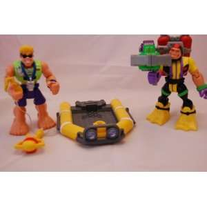 FISHER PRICE RESCUE HEROES 2 FIGURES and ACCESSORIES Toys & Games